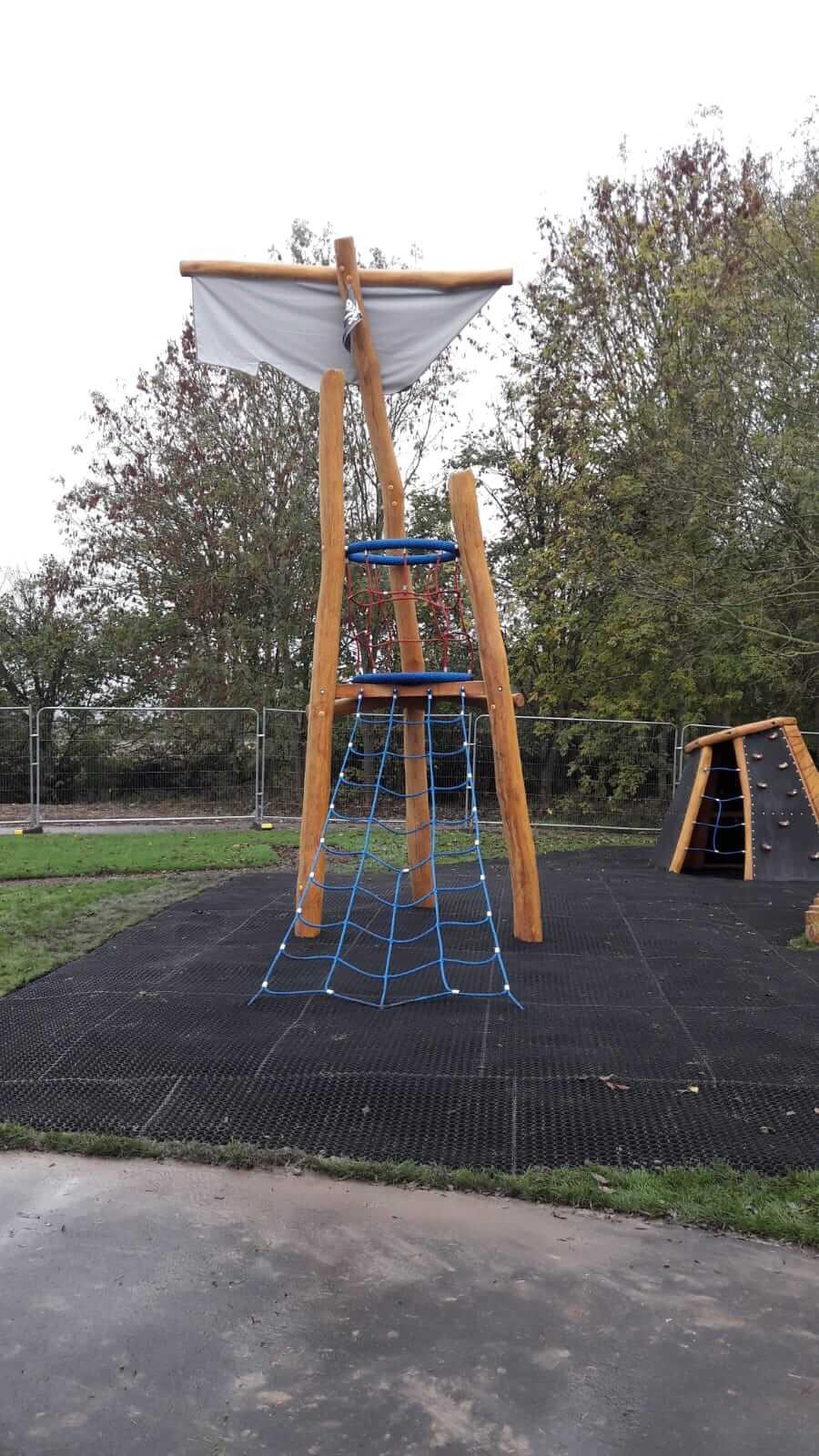 childrens playground surfacing